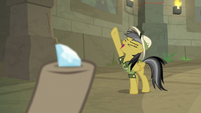 "Daring Do ""hold it high!"" S9E21"