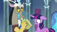 Discord closes book in Twilight's face S9E1