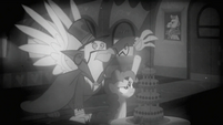 Pinkie Pie doesn't want Gustave to touch MMMM S2E24