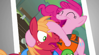 Pinkie Pie takes photo with Big McIntosh S4E09