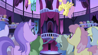 Ponies awaiting the celebration S1E01