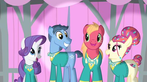 Ponytones smiling S4E14
