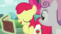 Apple Bloom explains the Derby's history S6E14