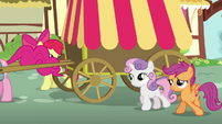 CMC sees Pinkie run fast S5E19