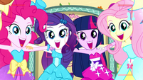 Mane Six smile and say -za cheese!- SS2