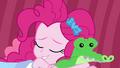 Pinkie Pie falls asleep with Gummy plushie EGDS3.png