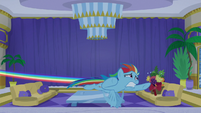 Rainbow races to Goldie and Applesauce's room S8E5
