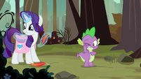 Rarity gathers Peewee's shed feathers S8E11