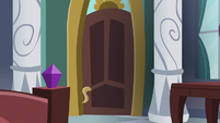 Starlight Glimmer's castle suite door S7E10