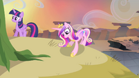 Cadance sees something S4E11