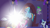 Discord morphing before the ponies S9E17