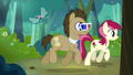 Dr. Hooves with 3D glasses walking with Rose S4E16.png