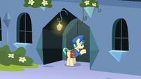 Mail Pony knocking on Sapphire Joy's door S8E8