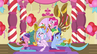 Pinkie Pie appears with yovidaphone S9E20