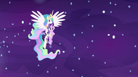 Princess Celestia carrying Starlight Glimmer S7E10