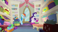"Rarity ""if they're in fashion right now"" S8E17"
