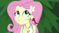 Red robin chirping in Fluttershy's ear EG4