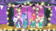 S04E14 Ponytones na scenie