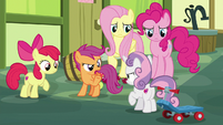 "Scootaloo ""Sweetie Belle is the clumsy one!"" S8E12"