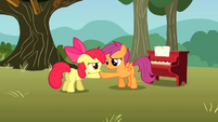 Scootaloo helping Apple Bloom get up S01E18