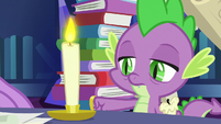 Spike replaces burnt-out candle with fresh candle S7E25