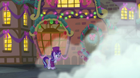 The Spirit of Hearth's Warming Presents starts fading away S06E08