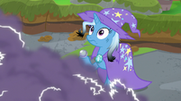 Trixie looks at building thundercloud S9E20