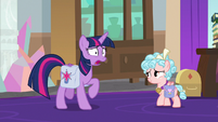 Twilight Sparkle trots in a panic S8E25