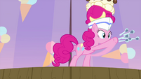 Pinkie tosses spoons at audience's right side MLPS5