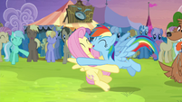 Rainbow tackles Fluttershy S4E22