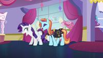 Rarity and Sassy Saddles -no!- S5E14