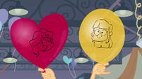 Rostos de Twilight e Sunset em balões EG