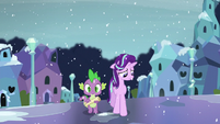 Spike and Starlight walking on the Crystal Empire street S6E2