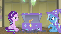 Elderly pony sticks hoof out of the trunk S8E19