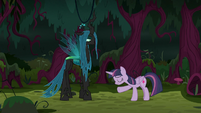 Fake Twilight bowing to Queen Chrysalis S8E13
