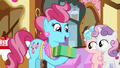 "Mrs. Cake ""what a lovely surprise!"" S8E12.png"