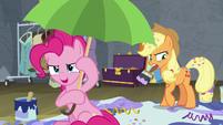 Pinkie Pie -confetti is ready!- S8E7