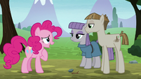 Pinkie Pie introduces herself one more time S8E3