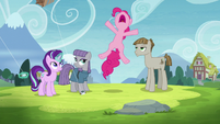 Pinkie screaming -impossible to like- S8E3