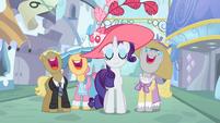Ponies singing around Rarity S2E9