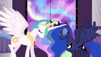 S03E02 Luna i Celestia stykają się rogami