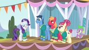 S04E14 The Ponytones i Spike