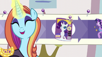 Sassy sticks a pin in -Cosmare Cover Pony- step S5E14