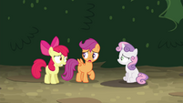 Scootaloo -we gotta beat them to Twilight's- S4E15