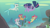 Season 8 promo image - Twilight and CMC as seaponies