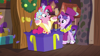 Spirit of HW Presents pops out of Snowfall's present S6E8