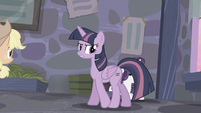 Twilight -Something odd about that staff- S5E02