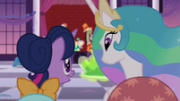 Twilight apologizes to Princess Celestia S5E7