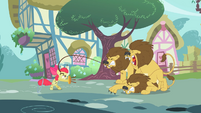Apple Bloom lion taming S2E6