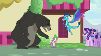 "Bear-Thorax ""back away, Spike!"" S7E15"